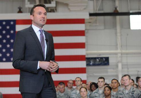 Министр по делам армии США Эрик Фенинг