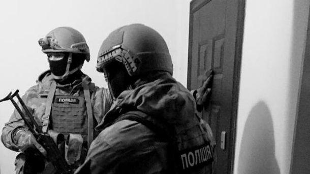 Правоохранители проводят спецоперацию в Затоке