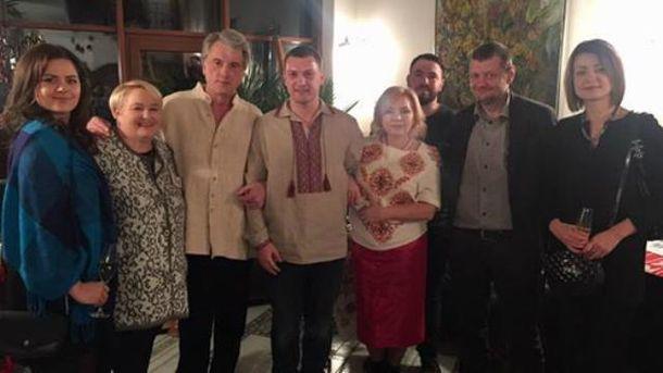 Ющенко устроил в себя вечерницы