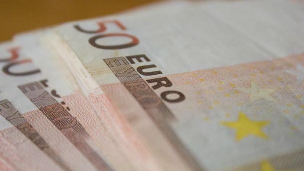 Доллар и евро дорожают в предвкушении праздников