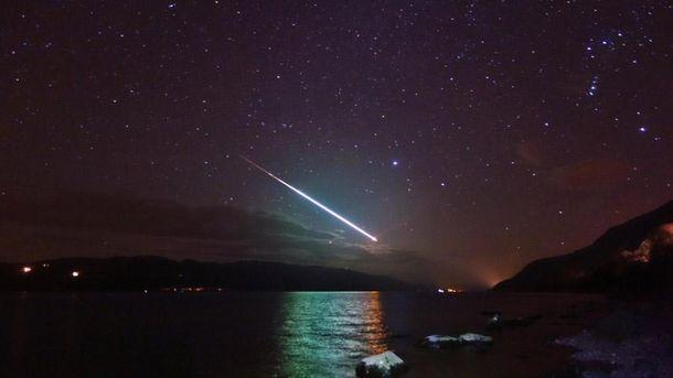 Метеор в небе