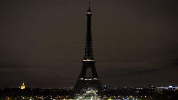 На Эйфелевой башне отключат подсветку в знак поддержки жителей Алеппо