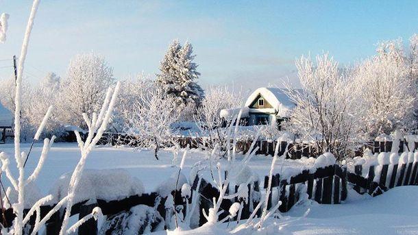 Снег в селе