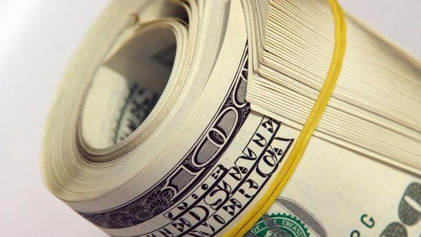 Долар США відчутно подорожчав