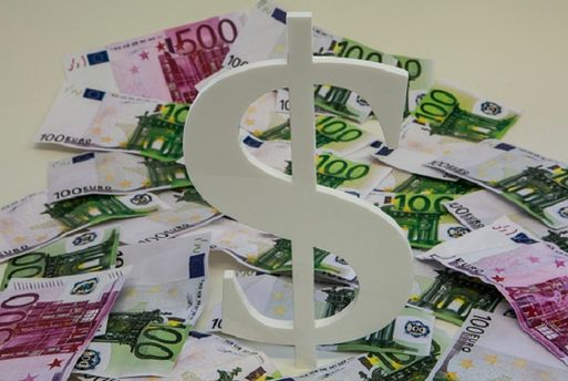 Євро, долар чи гривня?
