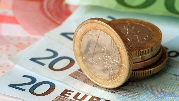 Евро дешевеет
