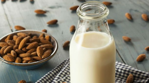 Корисні властивості мигдального молока