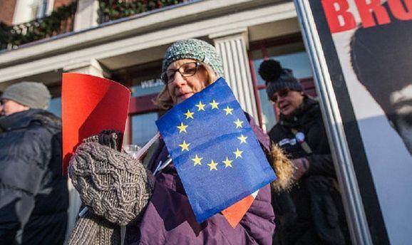 Польше угрожали санкции ЕС