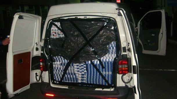 Контрабандний мікроавтобус, який мають повернути родині