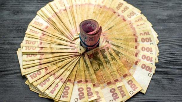 Гривня відіграла кілька копійок у долара та євро
