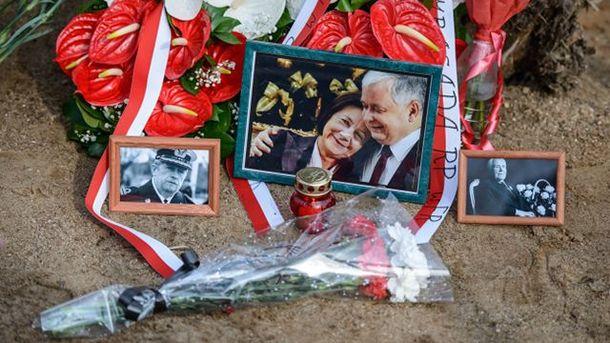 В Польше требуют от РФ передать записи разговоров из самолета, разбившегося под Смоленском
