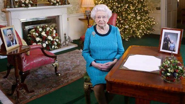 Королева захворіла