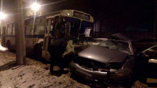 Место аварии в Мариуполе