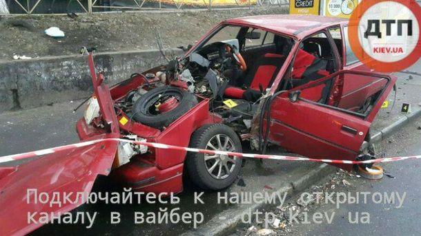 Машина стала грудой металлолома