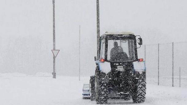 Из-за непогоды затруднено движение транспорта в Одесской области