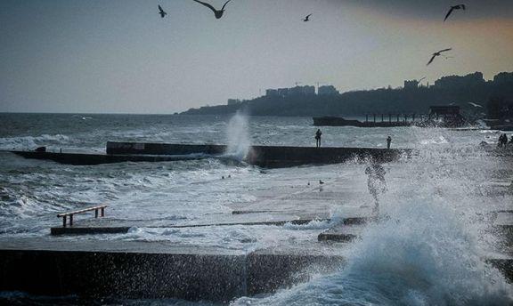 В акваторії Чорного моря оголосили штормове попередження