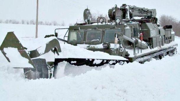 Военная техника отправилась на помощь