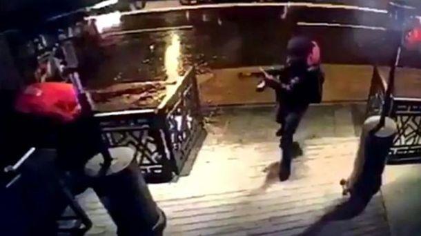 Расстрел ночного клуба в Стамбуле