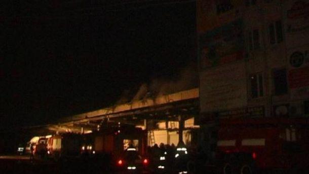 В окупованому Луганську згоріли продуктові склади