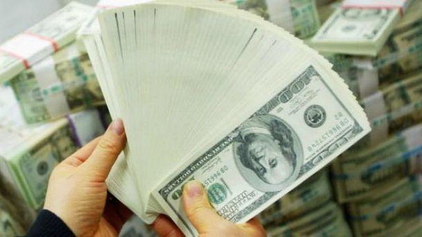 Доллар стоит все больше