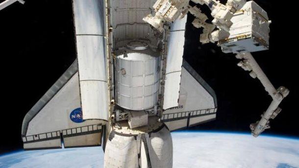 Робот на МКС вміє знизувати плечима