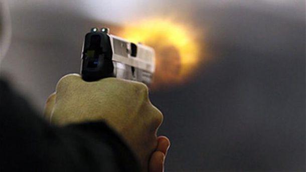 Злоумышленник спровоцировал драку и устроил стрельбу