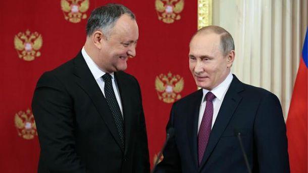 Первый зарубежный визит Додон совершил в Москву