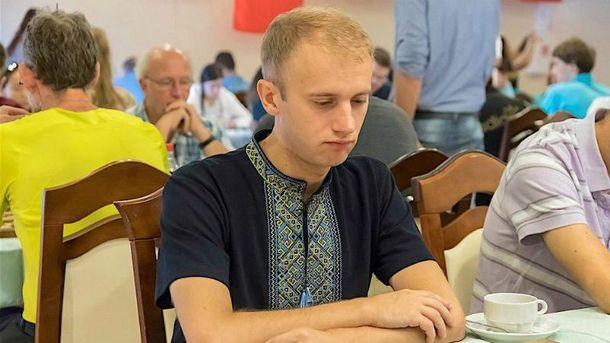 Українця фактично дискваліфікували за вишиванку