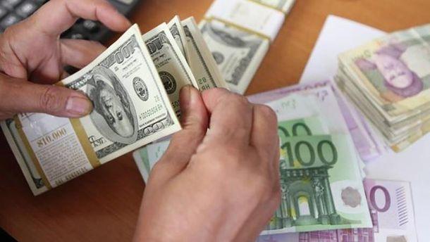 Цена валюты снова падает
