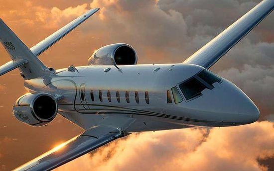 Частный самолет (иллюстрация)