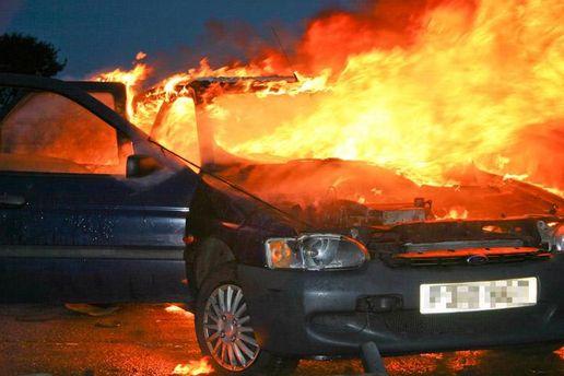 Злоумышленники хотели взорвать машину с депутатом