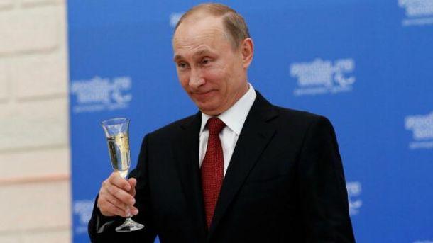 Окупованого Криму і війни на Донбасі Путіну мало