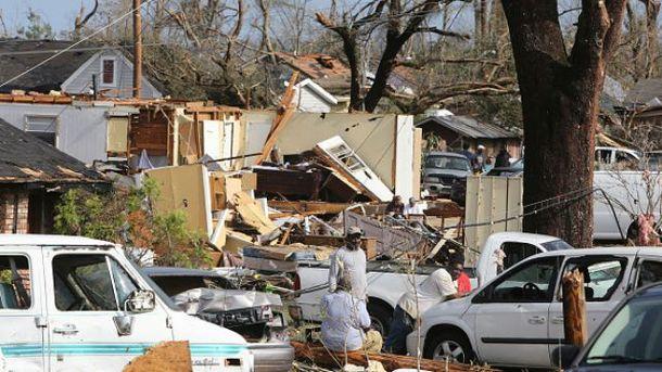 Руйнування після торнадо