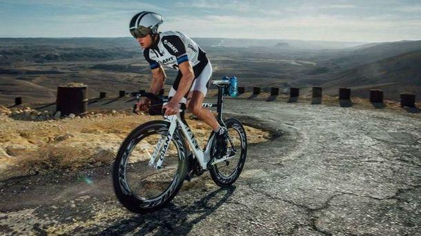 Велогонщик пережил травму спины