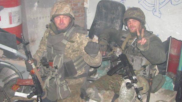 Слева направо. Руслан Присяжнюк 90-й бат (погиб), Артем Гребенюк.