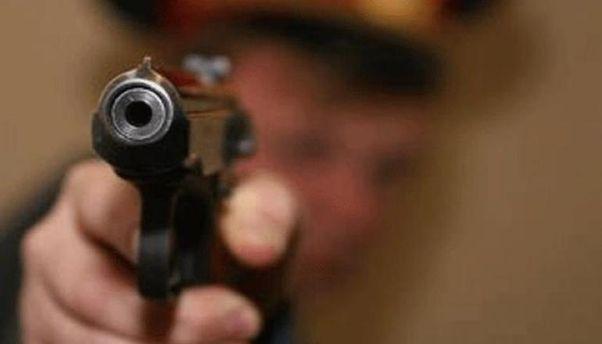 Між чоловіками спершу виник словесний конфлікт, а завершилося все бійкою зі стріляниною