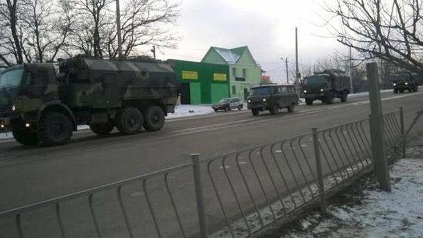 Российская военная техника заехала в Симферополь