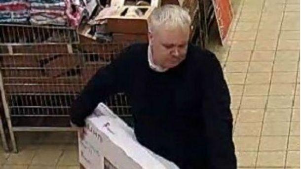 Мужчина вернул деньги за только-только взятый сполки телевизор