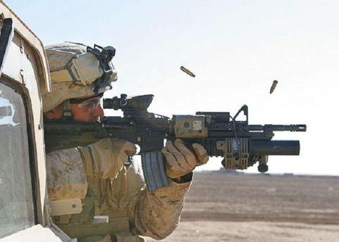 M4 с подствольным 40-мм гранотометом М203