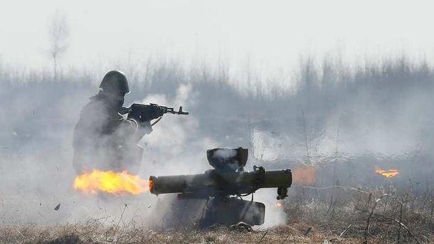 Террористы бьют по украинским позициям