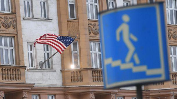 Порядок видачі віз США для росіян змінено