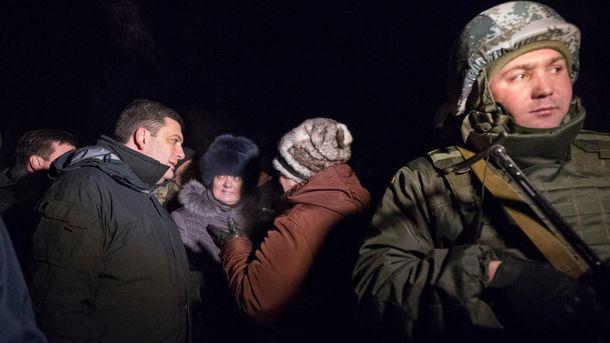 Володимир Гройсман під час зустрічі з жителями Авдіївки