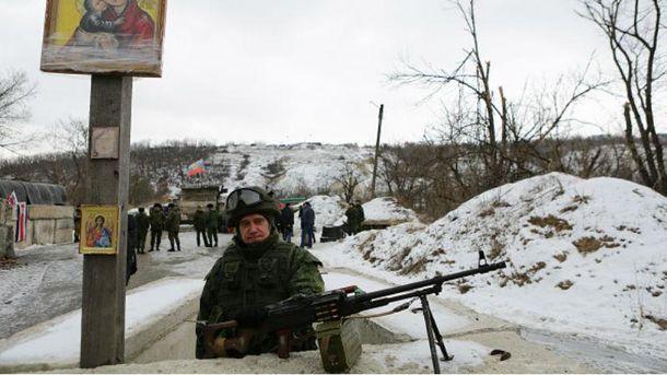 На Донбас завозять запчастини до зброї та порох