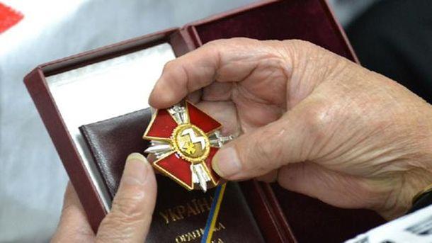 Президент наградил защитников Авдеевки, часть Героев – посмертно