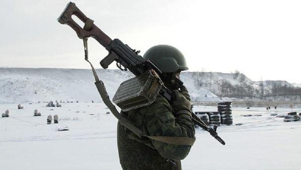 Військовий у Донецьку