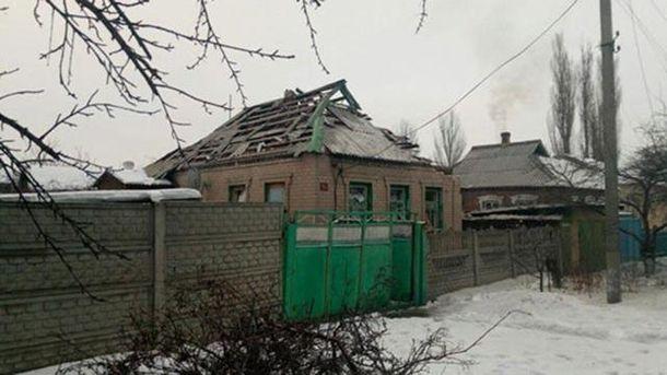 Розтрощений будинок в Авдіївці