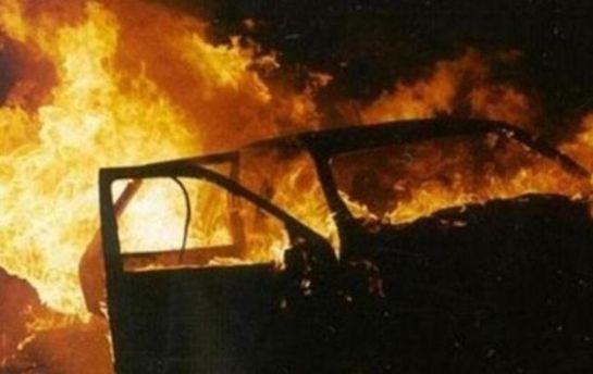 Автомобиль взорвался в центре Луганска