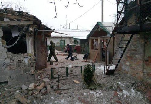 В разрушенной Авдеевке ремонтируют линии электропередач