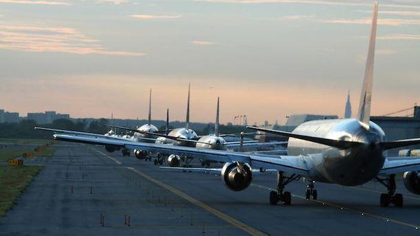 Авіакомпанії знову беруть пасажирів із забороненого списку