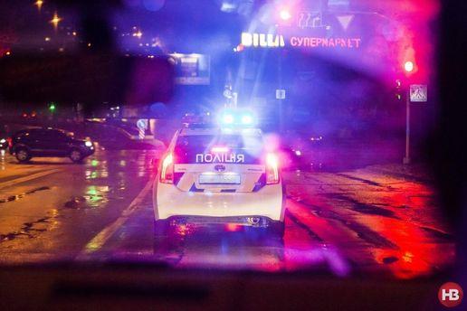 Авто поліції вночі